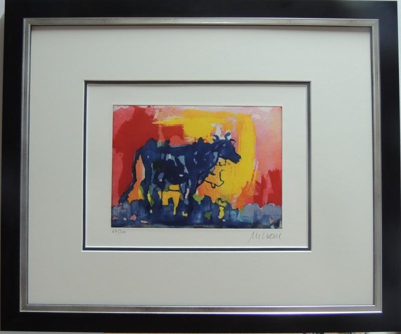 Armin Mueller - Stahl Die blaue Kuh im Abendlicht Farbradierung und Aquatinta gerahmt: 320,-- Euro Blatt: 220,-- Euro